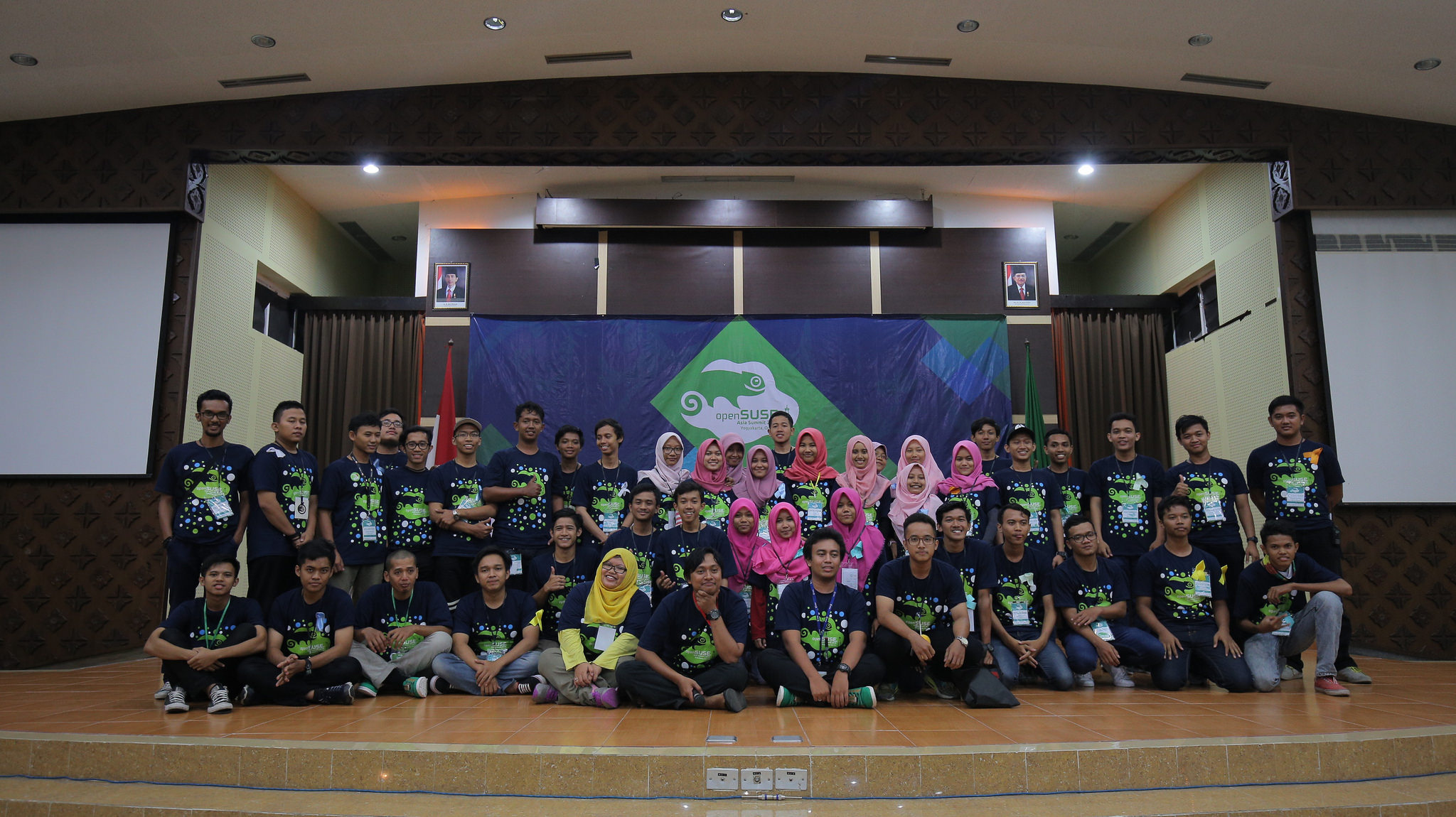 Full Team - Photo by openSUSE Indonesia